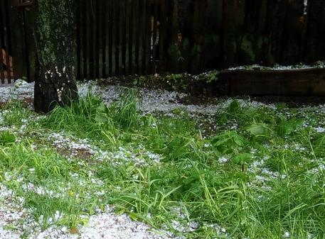 Град размером сперепелиное яйцо выпал вЧелябинской области