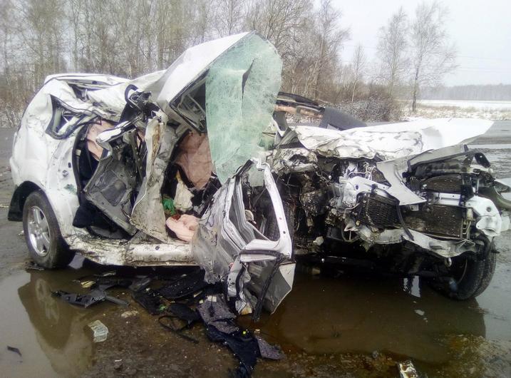 Два жителя Тюмени погибли вДТП вМишкинском районе— Машины всмятку