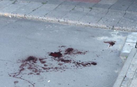 Наостановке вНижнем Тагиле неизвестный ударил женщину ножом вживот