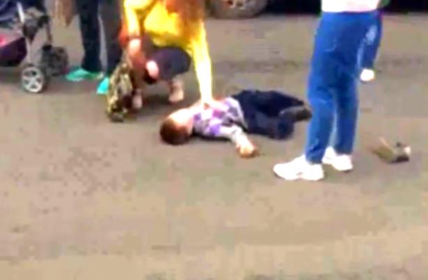 Маршрутка сбила ребёнка напешеходном переходе вЧелябинске