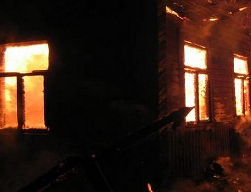 ВЧелябинской области три человека погибли впожаре в личном доме