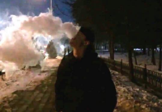Пермские подростки отобрали упрохожего электронную сигарету