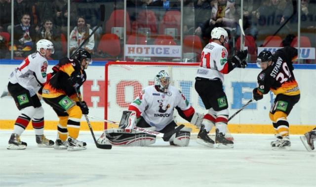 ВЕкатеринбурге начинается хоккейный сезон— «Автомобилист» сыграет с«Магниткой»